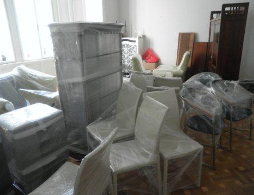 Umzug in eine neue Wohnung: Selbst durchführen oder mit Umzugsunternehmen?